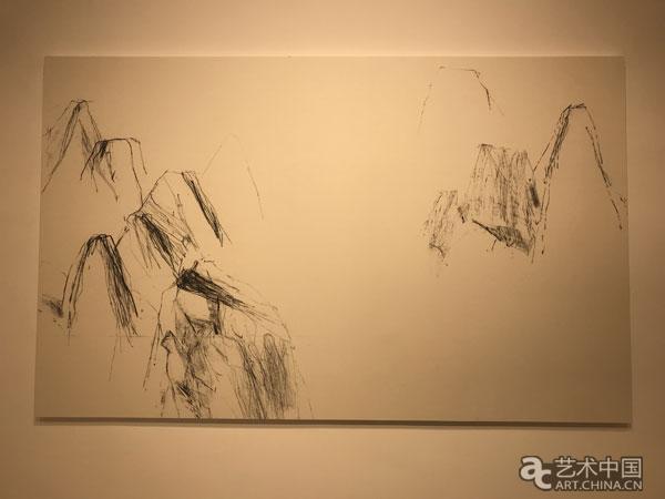 本次展览将展出朱岚最新创作的水墨作品二十余幅,艺术家将中国水墨画