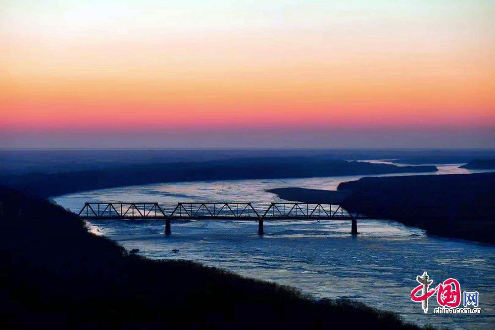 2019年1月1日,珲春防川国家级风景名胜区迎来新年第一缕阳光.