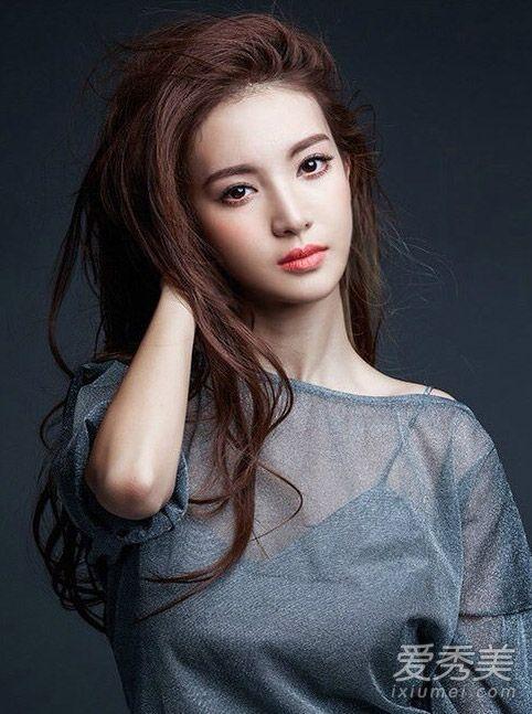 《花样姐姐2》金晨发型图片 剪短发之后更美了图片